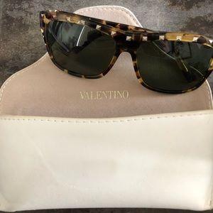 Tortoise shell rock stud Valentino sunglasses